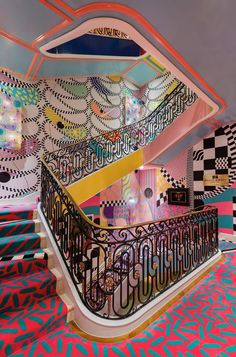 Tour the 2018 Kips Bay Show House - Architectural Digest Staircase by Sasha Bikoff Architectural Digest, Interior Exterior, Home Interior Design, Interior Decorating, Decorating Ideas, Hotel Lobby Interior Design, Stairway Decorating, Interior Design Institute, Colorful Interior Design