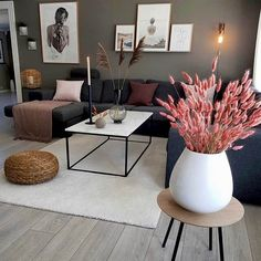20 tips will help you improve the environment in your bedroom credit housescreative. decoration interieur home decoration decoration salon Living Room Interior, Home Interior Design, Living Room Decor, Living Room Colors, Living Rooms, Warm Home Decor, Cute Home Decor, Room Wall Decor, Apartment Living