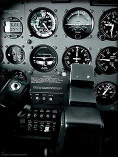 Cessna 172 cockpit