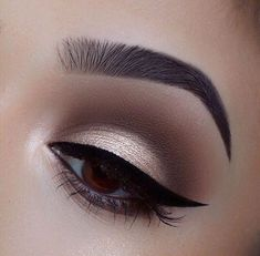 When it comes to eye make-up you need to think and then apply because eyes talk louder than words. The type of make-up that you apply on your eyes can talk loud about the type of person you really are. Eye Makeup Tips, Smokey Eye Makeup, Makeup Goals, Makeup Inspo, Makeup Inspiration, Beauty Makeup, Makeup Ideas, Makeup Hacks, Makeup Style
