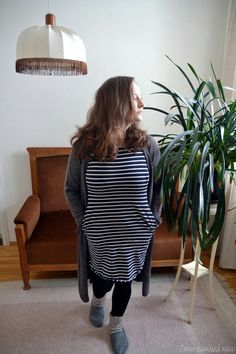 Can't get enough of stripes! #stripedress #longcardigan #greycardigan #cosyoutfit