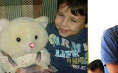 """Aylan sepolto a Kobane con la madre e il fratellino. Il papà: """"Li ho riportati a casa"""" Si è tenuto stamani a Kobane, in Siria, il funerale del piccolo Aylan al-Kurdi, il bambino siriano morto annegato la cui foto choc ha scosso il mondo. Aylan è stato sepolto insieme al fratello di cin #aylan #madre #padre #morte"""