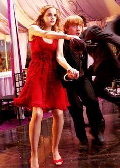 Ron and Hermione in Bill Fleur Wedding
