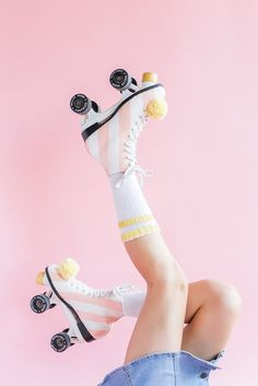 DIY paint your roller skates