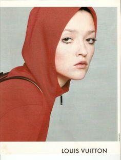 Louis Vuitton Fall 1998 - Audrey Marnay