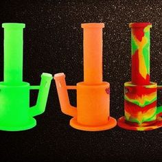 www.waxmaidstore.com  bongs,silicone water pipes, hot sale 420 products, glow in the dark,glass bongs diy for sale,smoke pipes, #waxmaid #siliconebong #410