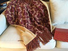 Tapestry Throw Burgundy Medallions Luxurious Throw di AlexsAttic