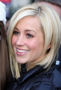 Beautiful Medium Bob Layered Hairstyle with Hair Gold Color for Women from Kellie Pickler