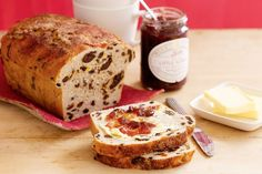 A bun loaf. Bread with bits of fruit in it - Americans would call it raisin bread, fruit bread, or even fruitcake. Fruit Loaf Recipe, Fruit Bread, Loaf Recipes, Banana Bread Recipes, Baking Recipes, Free Recipes, Tasty Recipe, Yummy Recipes, Recipies