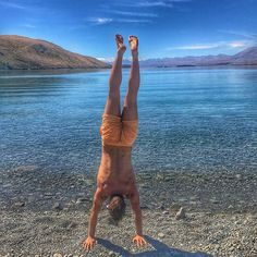 Another beautiful scenery for my handstand training session 😍 - clear water, blue sky, hot temperatures ☀️ _________ 📸 Lake Tekapo - IPhone 7 _________ #training #workout #lake #sun #fun #summer #instadaily #potd #instamood #travelgram #travel #lifestyle #sport #goodlife #happy #lifestyle #instagood #like4like #throwback #tekapo #awesomenz #newzealand #wanderlust #dream #yolo #journey #worldtrip #southisland #instagram #like #travel #tourism #travelgram #meetingprofs #eventprofs #meeting…