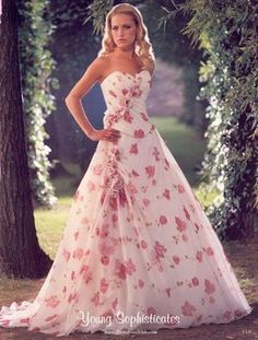Oh, I love these flowers! Dress Me Up, Dress For You, Bridal Gowns, Wedding Gowns, Multicolor Wedding, Wedding Dress Types, Strapless Dress Formal, Formal Dresses, Red Carpet Dresses