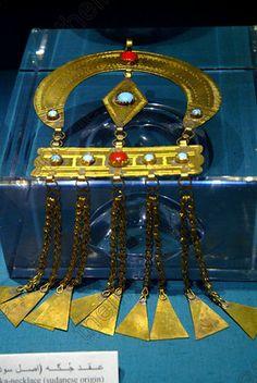 Aswan Egyptian Nubian Museum Sudanese necklace of gold and semi-precious stones ::: Amazing Craftsmanship!