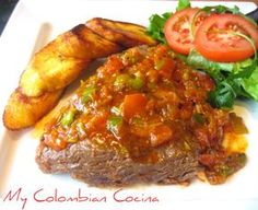 This meat, when cooked slowly and steamed in a pressure cooker, is very tender and soft. Sobrebarriga en Salsa or Flank- Skirt Steak in Sauce (English Colombian Dishes, My Colombian Recipes, Colombian Cuisine, Meat Recipes, Cooking Recipes, Healthy Recipes, Cuban Recipes, Healthy Eats, Recipies