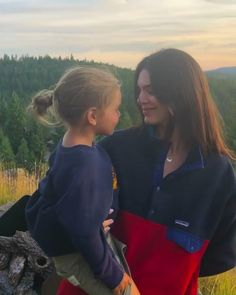 Kendall Jenner Instagram, Kendall Jenner Mode, Kendalll Jenner, Kardashian Jenner, Kourtney Kardashian, Patagonia Synchilla, Jenner Sisters, Cute Baby Pictures, Cute Family