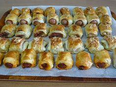 Un aperitivo, una merienda, una celebración...éstos hojaldritos son excelentes con su surtido de sabores Receta escrita: http://willyviajera.blogspot.com