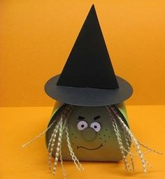 Curvy Keepsake Box Witch www.stampingwithlinda.com Check out my Stamp of the Month Kit Program Linda Bauwin – CARD-iologist  Helping you create cards from the heart.