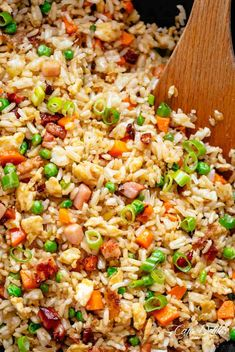Fried Rice with crispy bacon and fluffy eggs is better than take out and so easy to make! Why go out when you can have fried rice at home! Special Fried Rice Recipe, Fried Rice Recipe Chinese, Rice Recipes, Asian Recipes, Cooking Recipes, Ethnic Recipes, Dinner Recipes, Oriental Recipes, Oriental Food