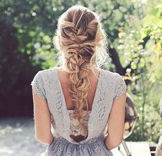 One of the most stylish braid styles is the French Braid style. You can style your french braided hairstyles 3 different ways. Here you will also get step by step video tutorial on how to make French Braid in My Hairstyle, Messy Hairstyles, Pretty Hairstyles, Wedding Hairstyles, Hairstyle Ideas, Cute School Hairstyles, Drawing Hairstyles, Evening Hairstyles, Hairstyle Tutorials