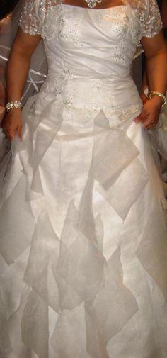 robe de marie bustier ivoire originale de chez point mariage - Point Mariage La Rochelle
