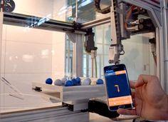 Vernetzung in höchster Evolutionsstufe, das ist Industrie 4.0. Aber was bedeutet dieser Megatrend für Maschinenbau, Fertigung und Automation? Mit dem MultiServo hat AMK jetzt eine Motion-Control-Plattform entwickelt, die den Weg bereitet für eine noch einfachere Form der Bewegungssteuerung – vor allem durch die komfortable und intuitive Parametrierung mit Apps.   #ANT_2017_05