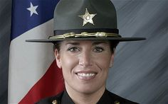 Deputy Suzanne Hopper, 40 years old, mother of shot and killed in an ambush on Jan. 2011 at a mobile home park in Florida. She was a 12 year veteran. Rest in peace my sister in blue. Female Police Officers, Military Personnel, Women Police, Police Memorial, Officer Down, Old Police Cars, Fallen Officer, Police Lives Matter, Police Life