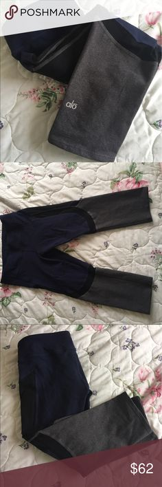 Navy & Grey Alo Yoga Crops Great condition, missing rip tag. No piling, cute navy and grey pattern with black mesh detail. Crop length, medium rise ALO Yoga Pants Leggings
