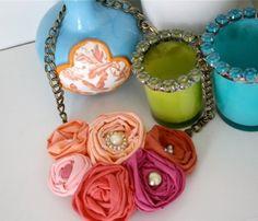 lovely rosette necklace