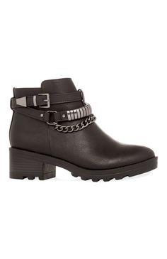 Botas moteras negras con cadena - Primark 25€