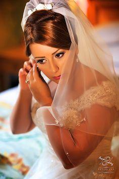 Turkish wedding photographer | London Wedding Photographers | Wedding photography by Peter Lane - portrait of a turkish bride #weddingveil #luxurywedding #weddingideas #weddingfashion #turkishwedding #turkishbrides #ukbrides #londonbrides #weddingUK #destinationweddings #topweddingphotographerUK #thebestweddingphotographerlondon #luxuryweddingphotography