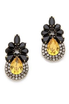 Gold and black statement earrings - so lovely! #wedding #earrings #jewelry #bridalaccessories #goldblackwedding