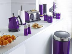 Inspirator for Home Design: Lime Green Kitchen Accessories- Cooking With Green! Purple Home, Plum Purple, Cuisine Vert Lime, Lime Green Kitchen, Lavender Kitchen, Purple Kitchen Accessories, Purple Kitchen Decor, Purple Furniture, All Things Purple