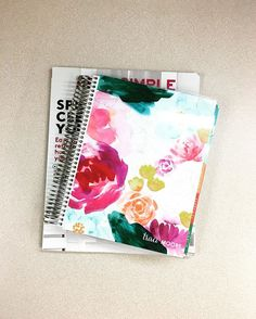 One of two new #erincondren interchangeable covers. It's really pretty and Springy #planner #erincondrenplanner #plannernerd #planneraddict #plannerclub #paperplanner #paperaddict #erincondrenlifeplanner #eclp #eclifeplanner @pinkgemini