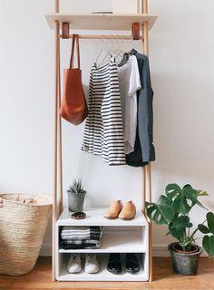 Tutorial de como fazer uma arara de roupas linda e super prática para o quarto! Ótima para colocar as roupas que vai usar no dia seguinte ou peças que mais usa!                                                                                                                                                                                 Mais