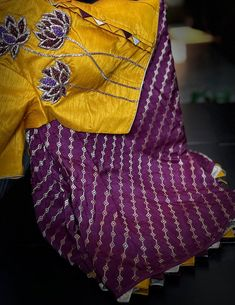 Fancy Sarees Party Wear, Saree Designs Party Wear, Hand Work Blouse Design, Simple Blouse Designs, Latest Maggam Work Blouses, Pattu Saree Blouse Designs, Designs For Dresses, Colour Combination For Dress, Siri