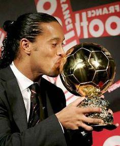 When the legend Ronaldinho won a Ballon d'or! #ronaldinho #legend