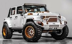Intriguing Custom Jeep Design makes me Want to have One.