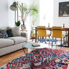 Nothing better than a fabulous rug to brighten up a room, not to mention making it feel warm and cosy #homeinspo #designerhomes #ENJOloves