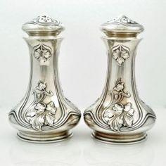 377 Best Saltpepper Shakers Vintage Images Antique Glass Salt