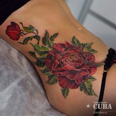 Another incredible floral tattoo piece used to cover scars. So beautiful. By the ALWAYS amazing Karina Cuba.