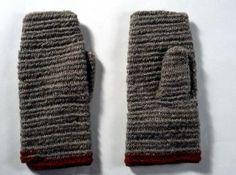 Nalbound mittens, Vuoksenranta, Finland. Prior to 1958. Lenght 27 cm, width 10-12 cm.
