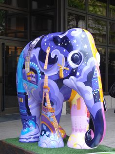 "London, England - Elephant Parade 2010 - ""Around The World"" - 246 fiberglass elephant statues, 5 feet high"