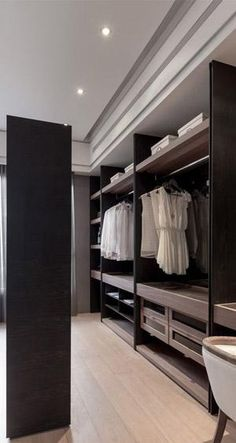 Interior design Layout Walk In, Awesome Small WalkIn Closet Design Ideas and Inspiration for Modern Home Decor Interior Closet Walk-in, Closet Bedroom, Closet Ideas, Master Closet, Bedroom Storage, Bedroom Wall, Closet Vanity, Black Closet, Bedroom Decor