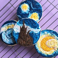 The Starry Night & Van Gogh Cookies. If like me you just can't get your hands to pipe cookies super neat then this texturized trick is for you. So easy but super impactful! Fancy Cookies, Iced Cookies, Cupcake Cookies, Sugar Cookies, Frosted Cookies, Crazy Cookies, Birthday Cookies, Birthday Fun, Birthday Ideas