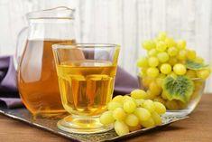 Druvsaft eller druvjuice går att göra enkelt, även med vindruvor fulla av kärnor. Chutney, Hummus, Pesto, Wine Glass, Tableware, Dinnerware, Tablewares, Chutneys, Dishes