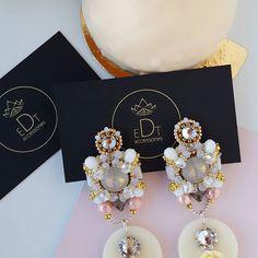 #earringfashion #earrings #handmadejewelry #handmade #jewelrydesign #jewelry #jewellery #jewels #fashionearrings #fashion #style #accessories #edtaccessories #design #swarovskicrystals #swarovski #stone #sweet #fashionista #wedding #bride