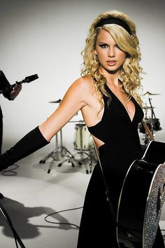 Taylor Picture To Burn
