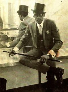 """Remembering the Maestro David Ruffin who tragically passed away in 1991 at the age of He possessed one of the finest voices in the history of soul music, to quote fellow Motown artist Marvin Gaye, """"I heard [in his voice] a strength my own voice lacked"""". Soul Artists, Music Artists, Soul Music, Music Mix, Music Icon, Otis Williams, Afro, Vintage Black Glamour, Old School Music"""