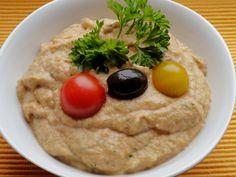Görög padlizsánkrém Hummus, Feta, Chicken, Ethnic Recipes, Bors, Makeup, Homemade Hummus, Maquillaje, Maquiagem