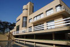 Facade exterieur de la villa carois - côté piscine