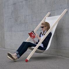 J'adore ce design et en plus c'est très pratique et un énorme gain de place !  Curt deck chair by Bernhard Burkard